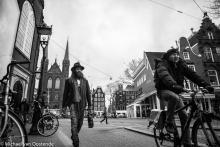 Street Photography Amsterdam Frog shot