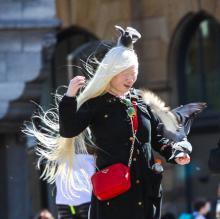 albino vrouw