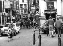 Street Photography Amsterdam Oudebrugsteeg