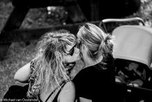 Street Photography Amsterdam 3 time kisses
