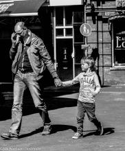 Street Photography Amsterdam  Hand on hand