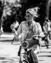 Street Photography Amsterdam macbike-babe